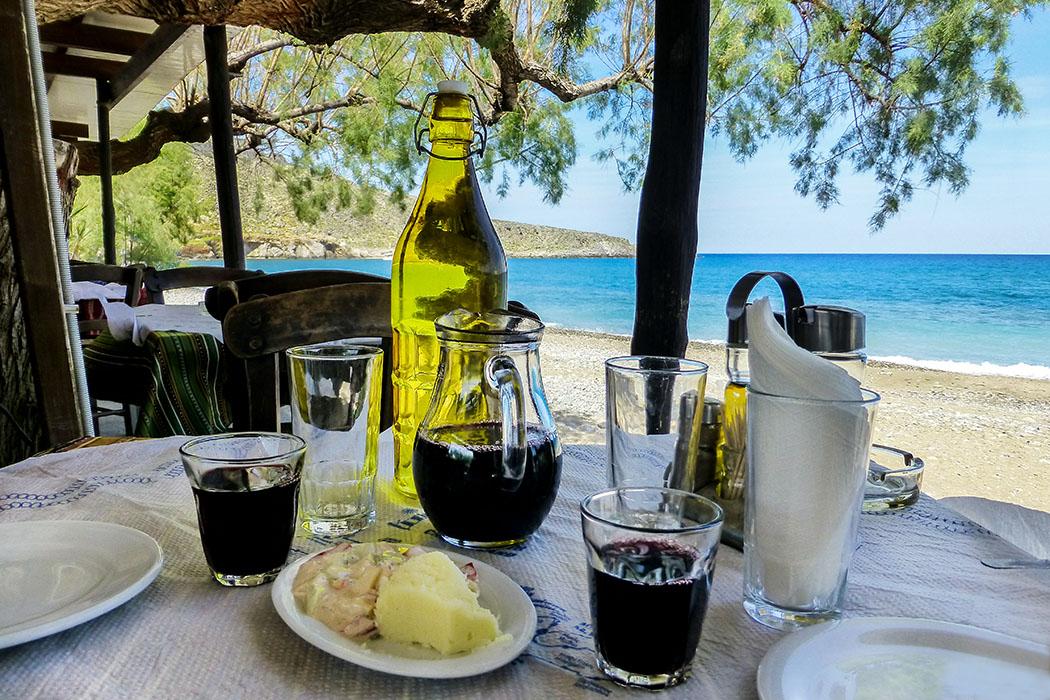 reise-zikaden.de - Griechenland, Kreta, Lasithi, Sitia, Kato Zakros, Cretan Traditional Tavern, Nikos Platanakis-01