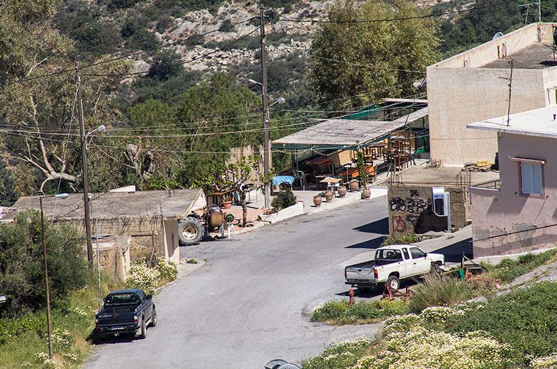 Blick auf das Dorfzentrum von Stavromenos.