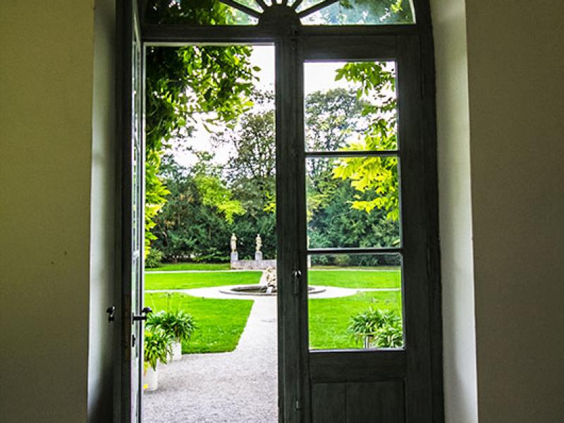 Der Eingang ins Geranienhaus.