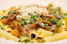 Pasta alla Ciociara – Nudeln mit Paprikaschoten und Oliven