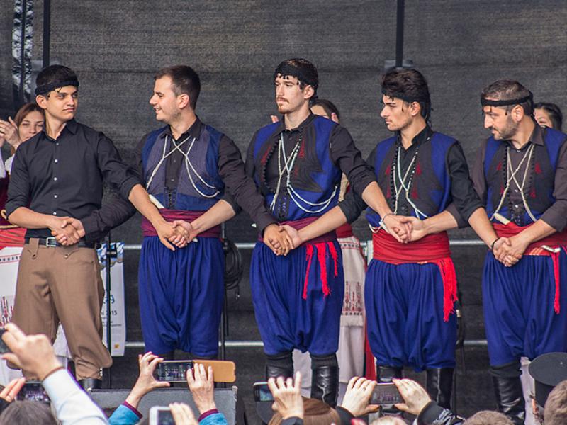 Die kretischen Tänzer zeigen die eindrucksvollste Aufführung.