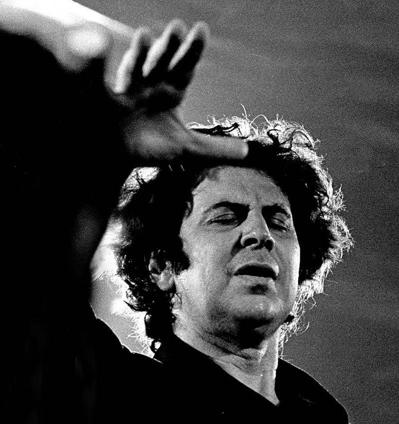 Mikis Theodorakis zum 90. Geburtstag: Musiker, Widerstandskämpfer, Komponist, Dirigent und Politiker