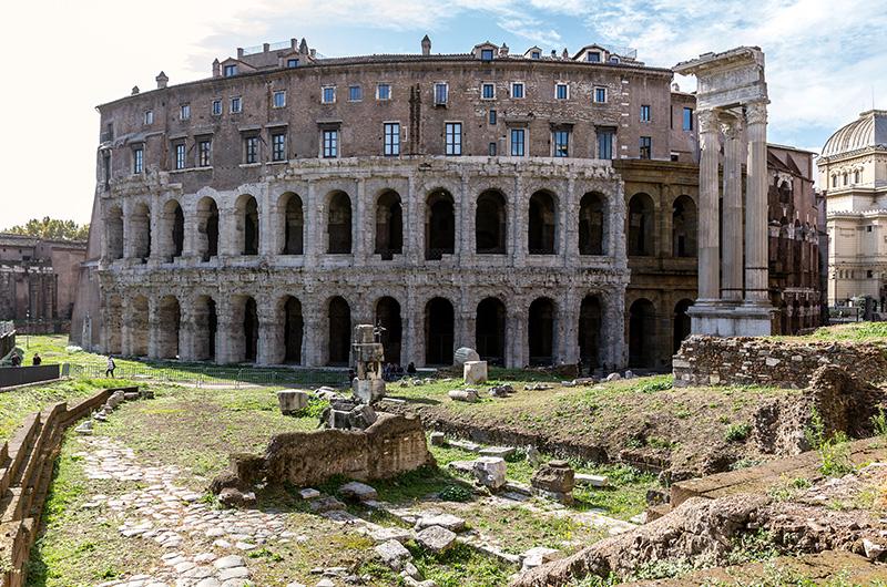 Das Marcellustheater wurde von Augustus erbaut und war das größte Theater im antiken Rom.