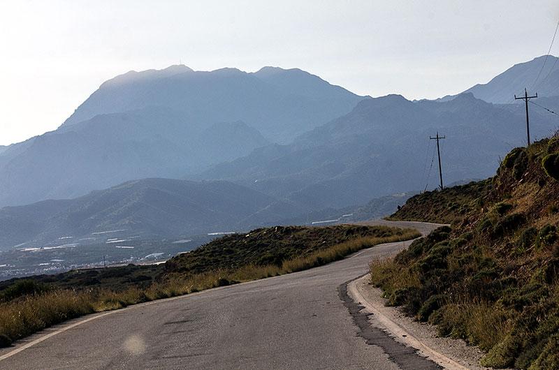 Die Rückfahrt führt und über Makrigialos und Lithines zurück Richtung Sitia.