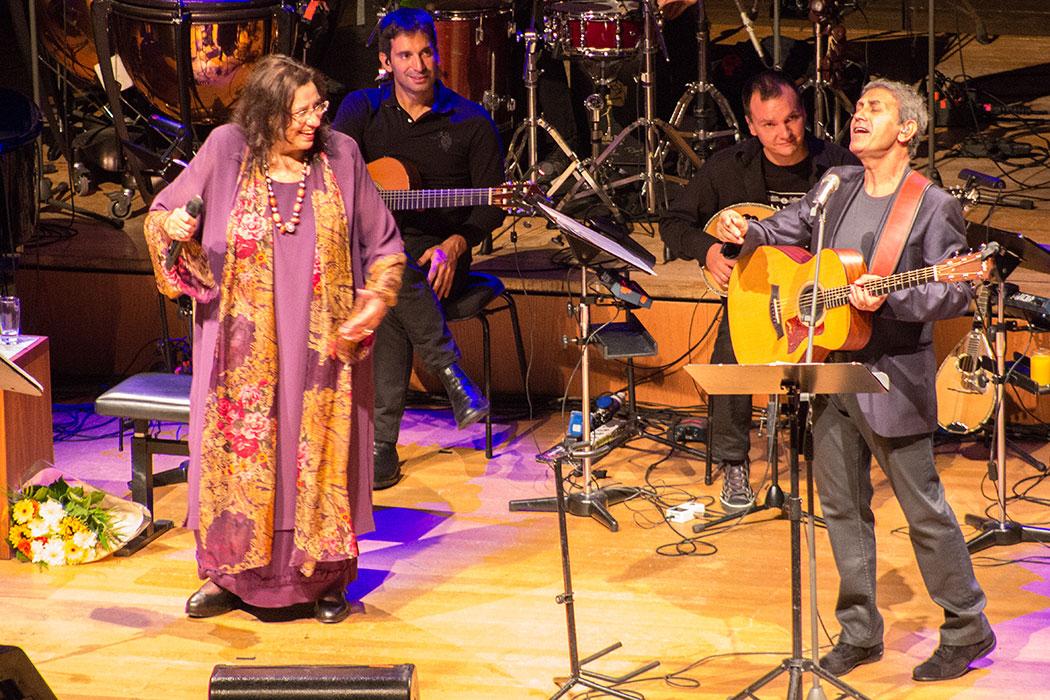 Maria Farantouri & George Dalaras: Zwei griechische Legenden besuchen München und geben ein Geburtstags-Konzert für Mikis Theodorakis.