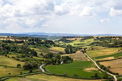 landschaft tuscania latium italien
