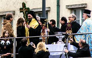 Epiphanias in München: Griechisch-Orthodoxe Segnung der Isar