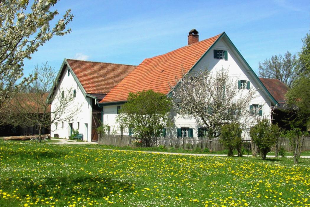 Ein entspannter Besuch im Bauernhofmuseum Jexhof bei Schöngeising macht auch Kindern sehr viel Spaß! Foto: Bauernhofmuseum Jexhof