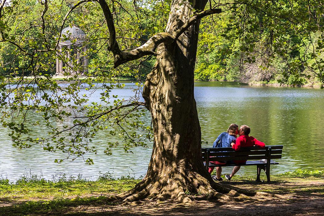 fruehling, muenchen, nymphenburg schloss park - München kann in Frühling sehr romantisch sein