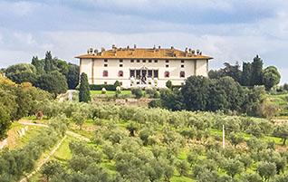 Florenz: Die Villa Medici von Artimino im Weinanbaugebiet Carmignano