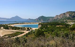 Peloponnes: Navarinobucht – Die Hafenstadt Pylos und seine Sandstrände
