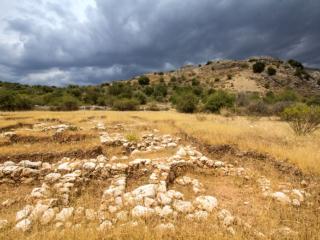 Rundgang zu den Entdeckungen der letzten Grabungskampagne in der Unterstadt von Mykene.