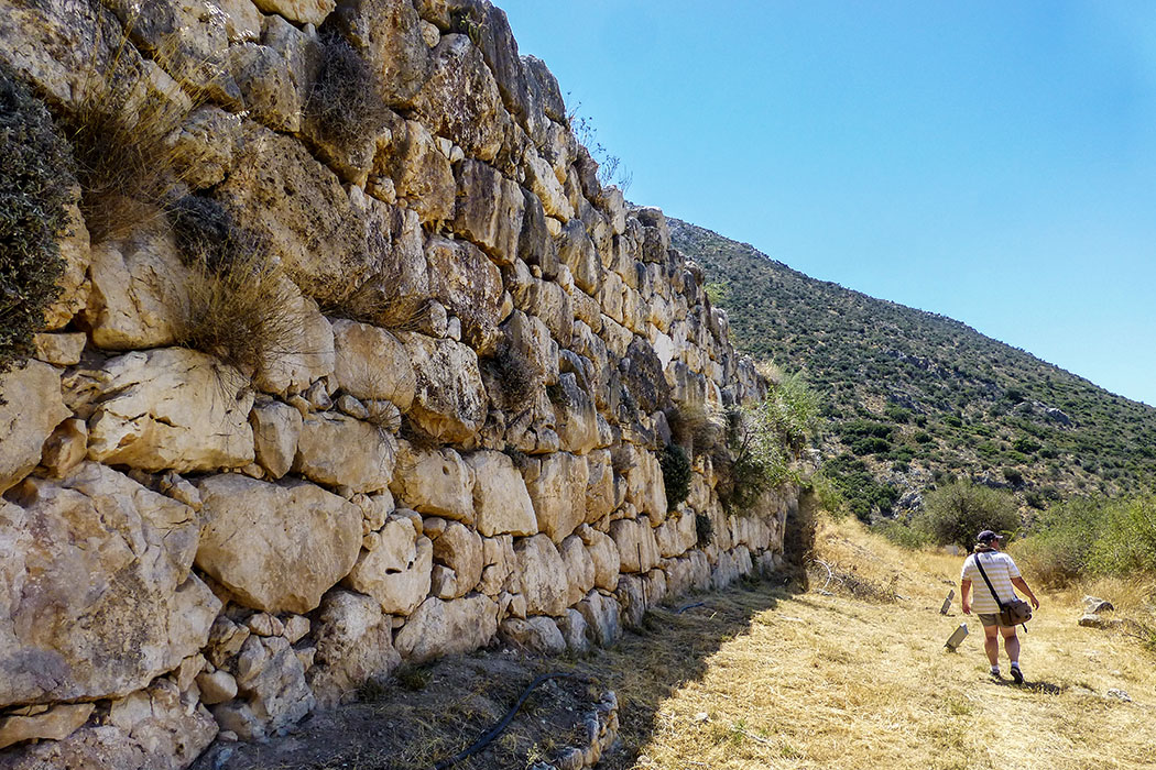 Bis zu zwölf Meter hoch ist die Ringmauer um die Zitadelle von Mykene erhalten geblieben - ein Werk (fast) für die Ewigkeit.