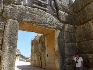 Das Löwentor nötigte sicherlich schon antiken Besuchern der Burg größten Respekt ab, dieser Eindruck ist bis heute unverändert.