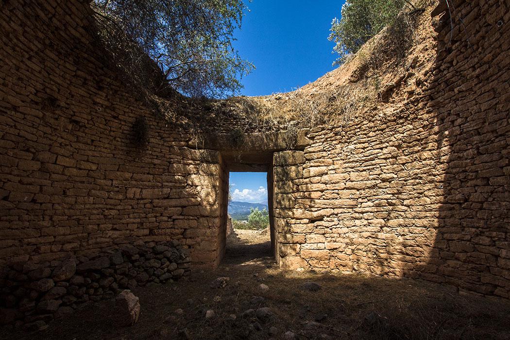 Die Kuppel des Panagia-Grabes hatte einen Durchmesser von etwa 8 Metern und ist aus unterschiedlich großen, meist flachen Steinen errichtet.