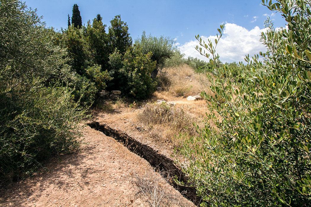 Nicht ungefährlich: Der schmale Dromos ist nur etwa 50 cm breit.