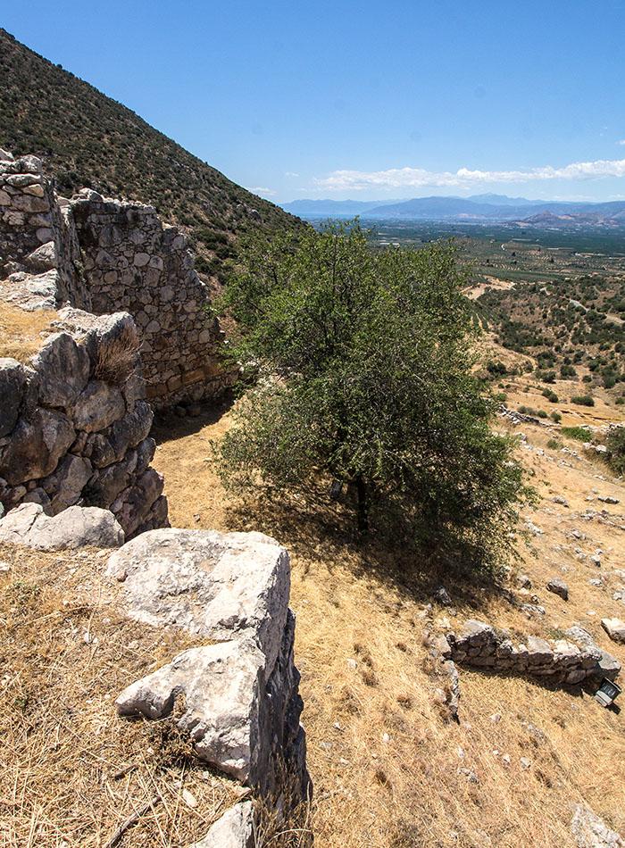 mykene argolischer golf burg argolis argos peloponnes griechenland Mykene: Der Blick über die Ebene der Argolis auf die Ägäis ist unverändert - seit Jahrtausenden.