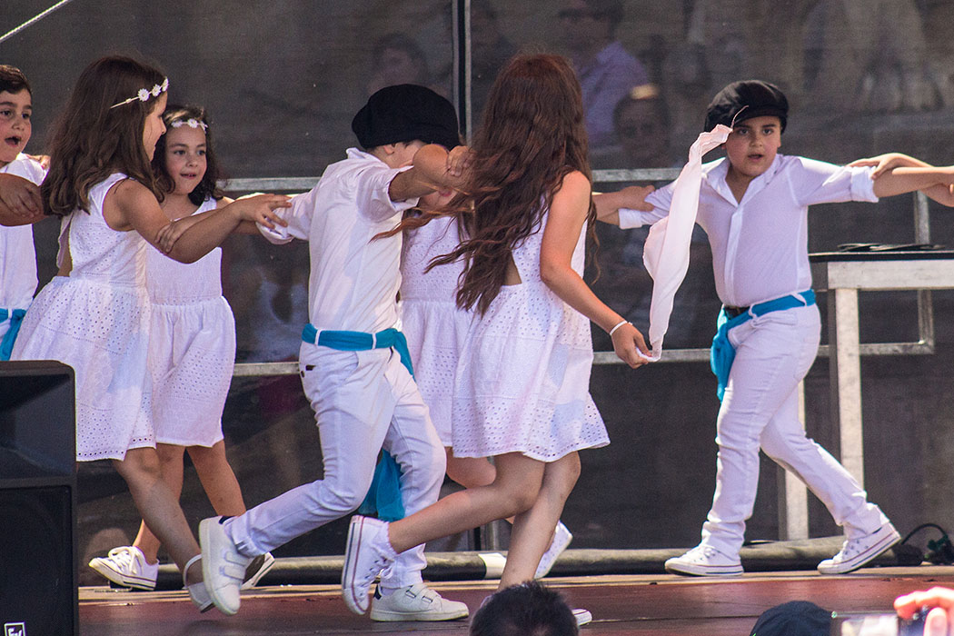 Entzückend: Die Kinder der Tanzgruppe des Kindergartens der Griechisch-Orthodoxen Metropolie.