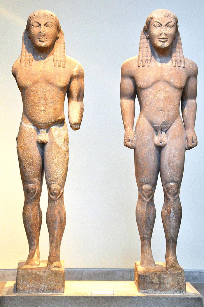 heraion of argos kleobis biton delphi kouros peloponnes argolis greece Die Statuen von Kleobis und Biton. Foto: flickr, Simonson