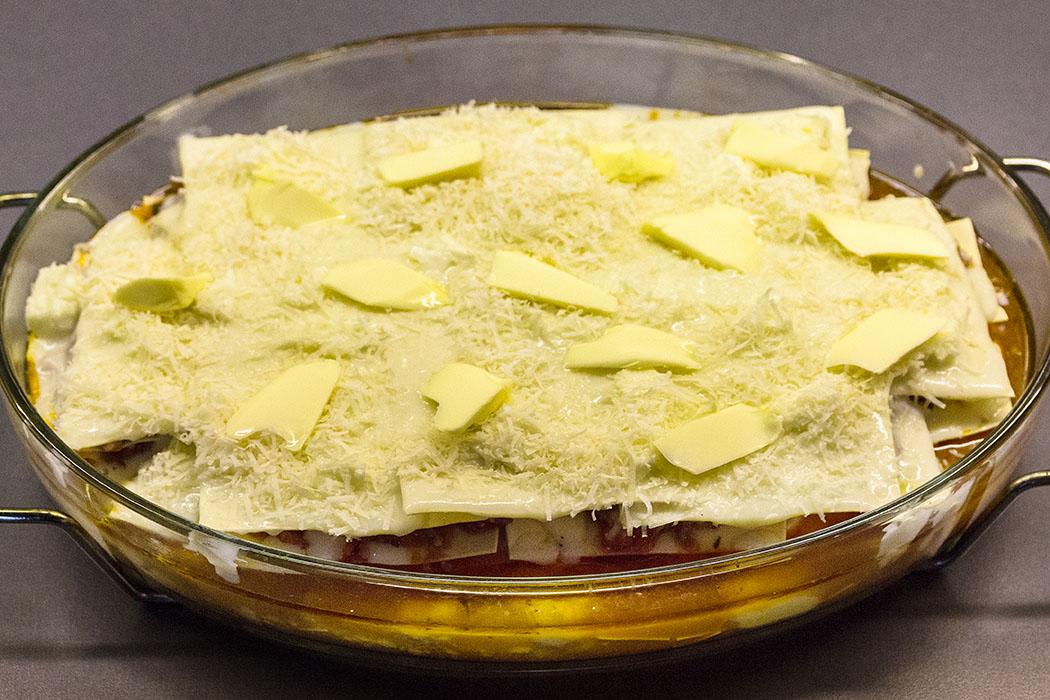 Lasagne bolognese: Den Abschluß bildet eine Schicht Bechamelsauce und Käse.