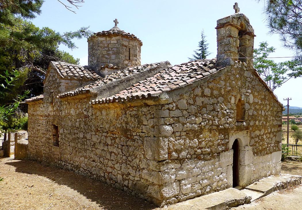 ligourio agia marina church nafplio argolis peloponnese greece ol Die Kirche Agia Marina wurde 1713 erbaut, steht auf den Fundamenten eines antiken Athena-Tempels und an der Trasse der mykenischen Handelstraße zum Hafen in Epidavros.