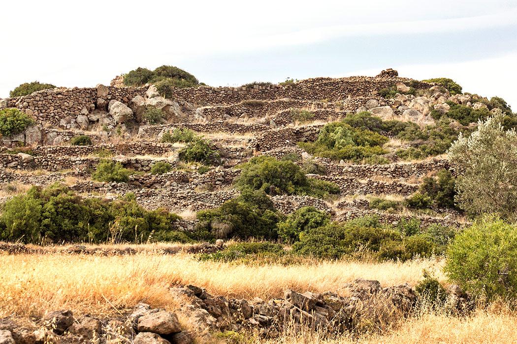 methana akropolis oga geometric citadel piraeus attica greece Die antike Festung Oga auf Methana ist bisher unerforscht. Uns inspiriert die Anlage sehr: War sie einst eine Festung des mykenischen Helden Theseus?