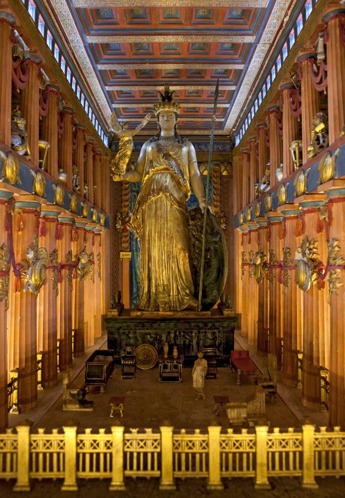 Athena Parthenos Statue Model Museum für Abgüsse Klassischer Bildwerke Munich bavaria germany Einblick in das Modell des Parthenon von Athen im Maßstab 1:20.