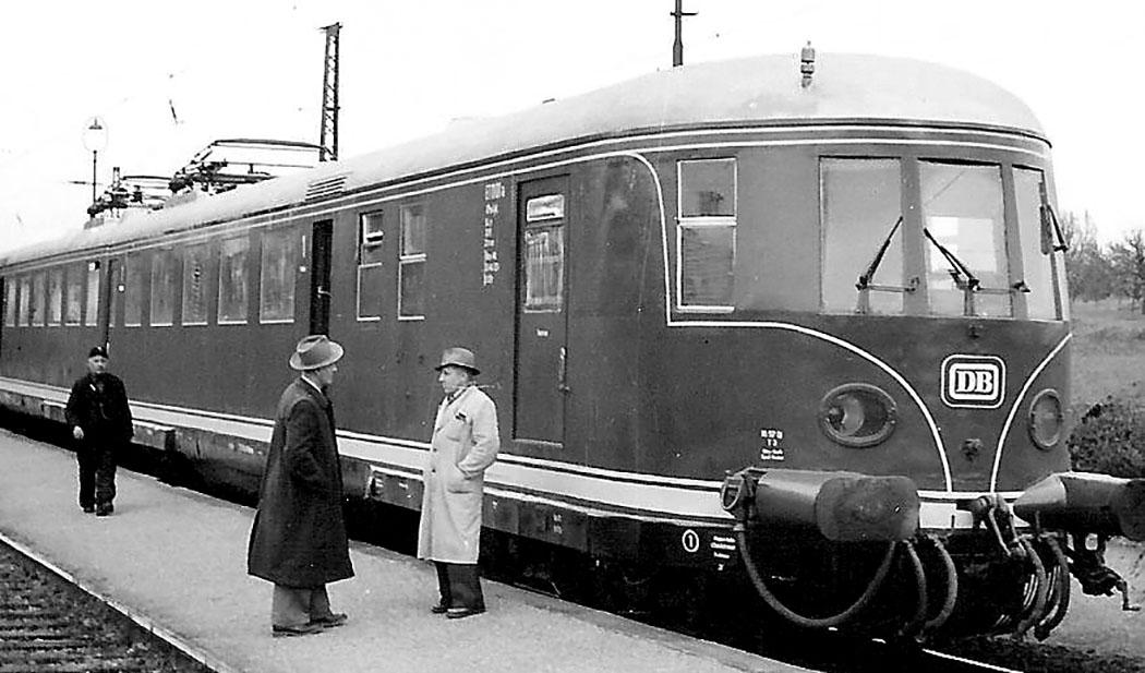 Triebwagen DR-Baureihe ET 11 Im RAW Neueubing wurde ab 1936 der Schnelltriebwagen der DR-Baureihe ET 11 in den Unterhaltungsbestand übernommen. Foto: Wikipedia