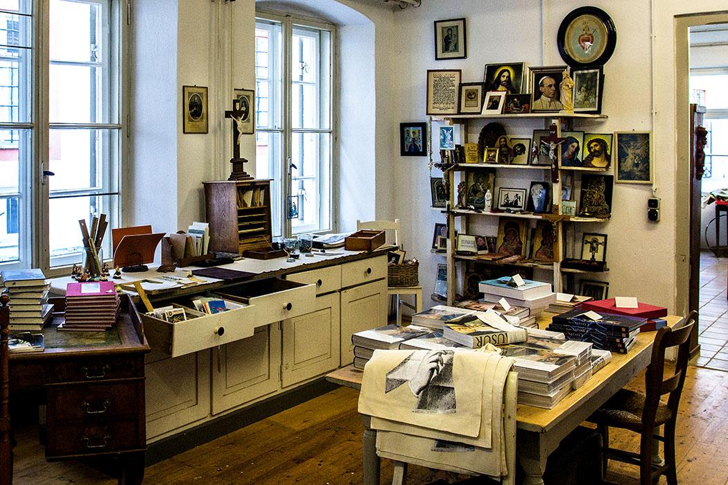 kloster-beuerberg-eurasburg-klosterladen-wolfratshausen-bayern Der Klosterladen verkauft überwiegend alltäglich Dinge aus dem Hausstand der Klosterschwestern von Beuerberg.