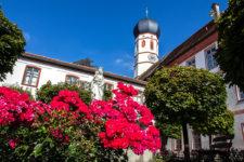 kloster-beuerberg-eurasburg-wolfratshausen-bayern-hof-brunnen-eingang-pforte-titel