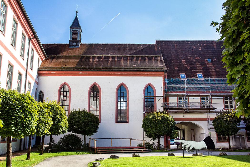 kloster-beuerberg-konventskirche-maria-heimsuchung-wolfratshausen-bayern Die Konventskirche Maria Heimsuchung wurde 1846 in das Kloster Beuerberg eingebaut.