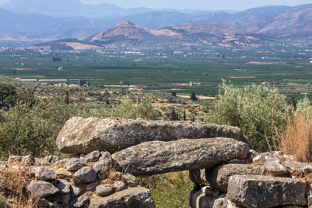 kalender-peloponnes-griechisches-urgestein-von-grandioser-schoenheit-01 epano phournos tomb mycenae argolis greece peloponnes