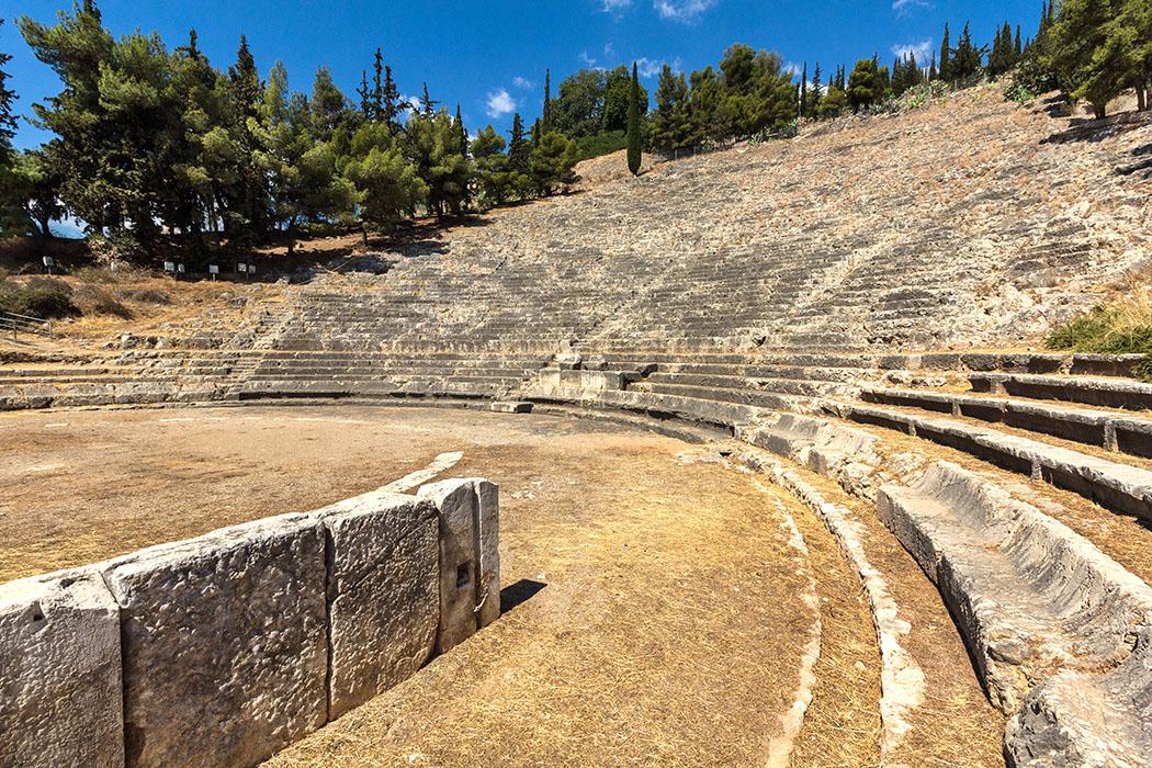 kalender-peloponnes-griechisches-urgestein-von-grandioser-schoenheit-10 ancient theatre argos argolis peloponnes greece