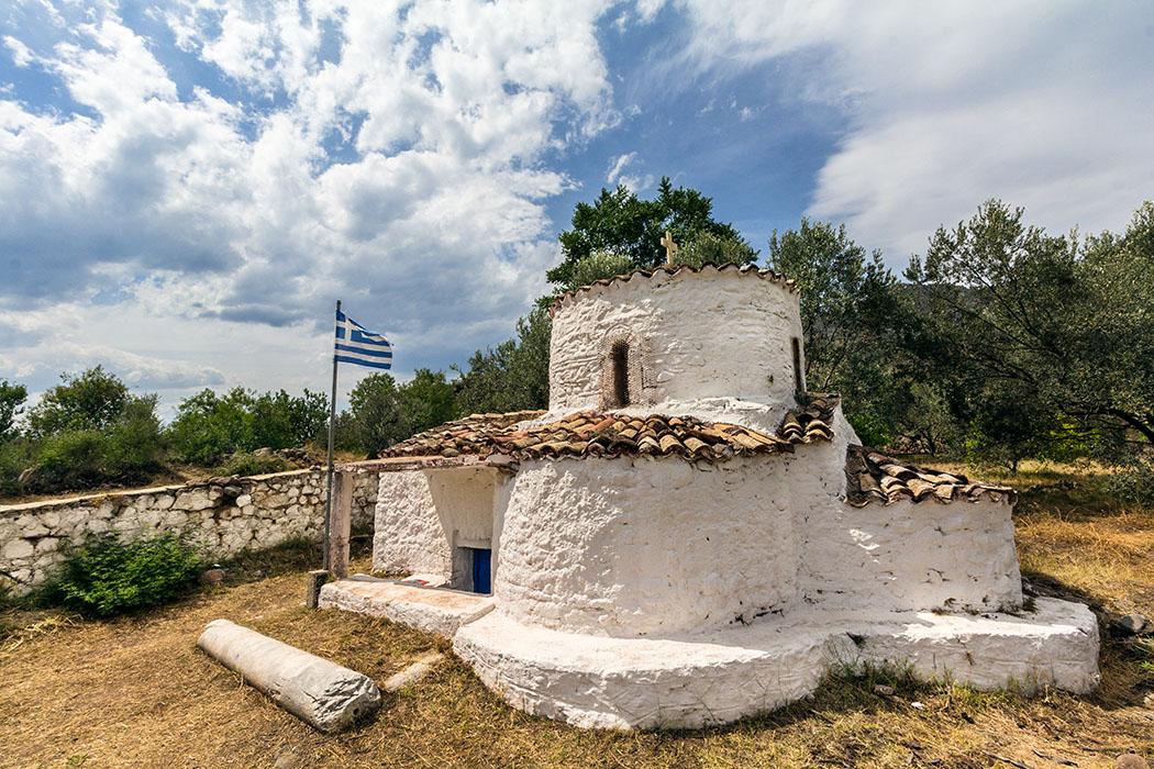 kalender-peloponnes-griechisches-urgestein-von-grandioser-schoenheit-12 vathy vathi church chapel agios nikolaos methana peloponnes
