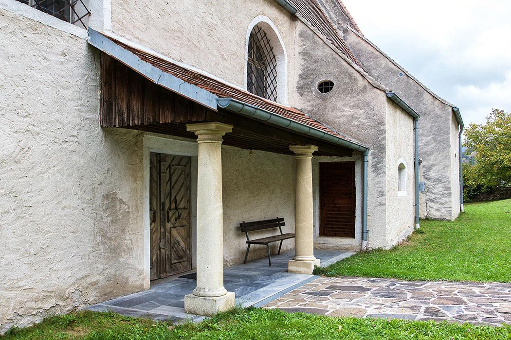 Die Kirche Johannes der Täufer in St. Johann in Mauerthale wurde überwiegend von Donauschiffern besucht und war ein beliebtes Ziel von Wallfahrten.