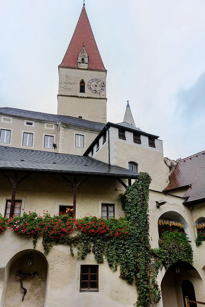 teisenhoferhof-weissenkirchen-kirche-wachau-niederoesterreich