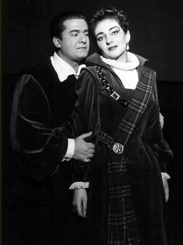 """wien, staatsoper, maria callas und giuseppe die stefano als edgardo - grandivoci.jimdo.com-01 Maria Callas und Giuseppe Di Stefano in der Donizetti-Oper """"Lucia di Lammermoor"""". Die Aufführung war ein Gastspiel der Mailänder Scala und fand am 12. Juni 1956 in der Wiener Staatsoper statt."""