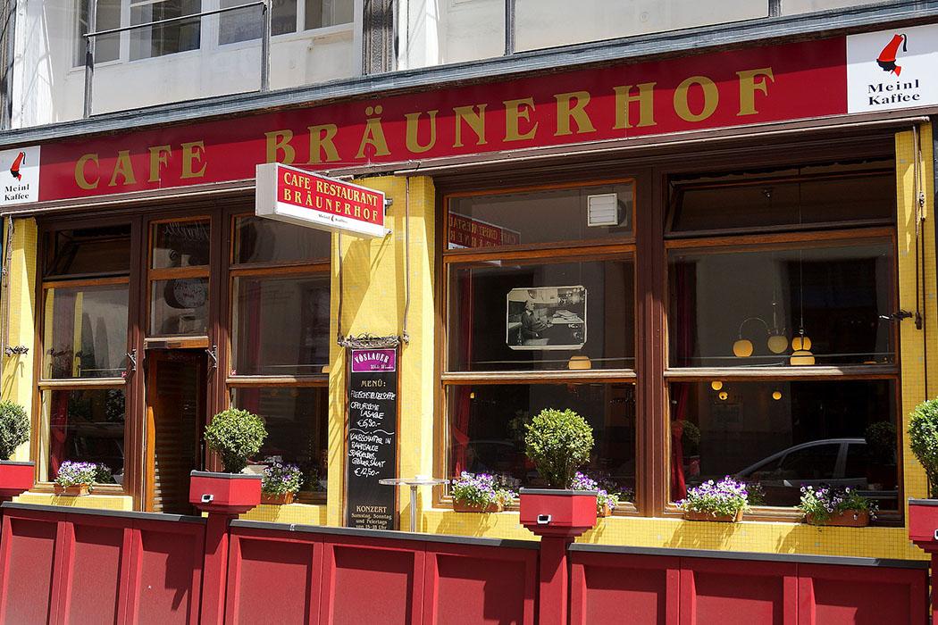 wien Cafe_Braeunerhof_Wien_Foto Wienwiki Das Café Bräunerhof ist ein perfekter Platz für Ruhesuchende, Leseratten, Postkartenschreiber … aber nichts für Schickeria.