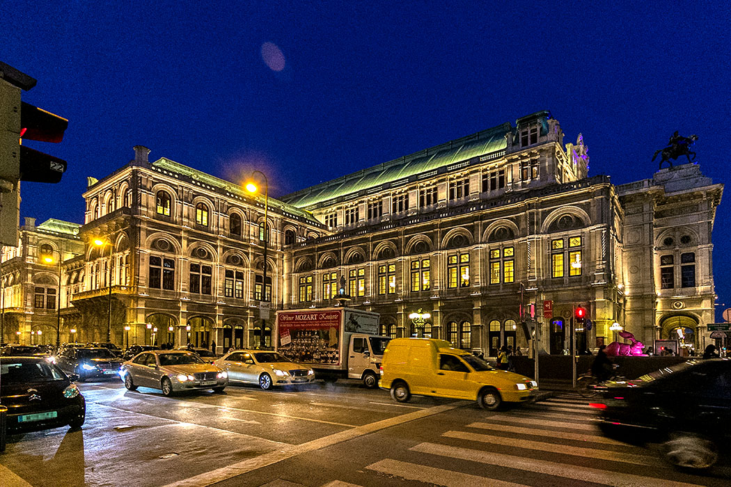 """wien wiener staatsoper opernhaus oesterreich vienne opera austria Die Wiener Staatsoper ist eines der bekanntesten Opernhäuser der Welt und wurde mit der Premiere Mozarts """"Don Giovanni"""" 1869 eröffnet."""