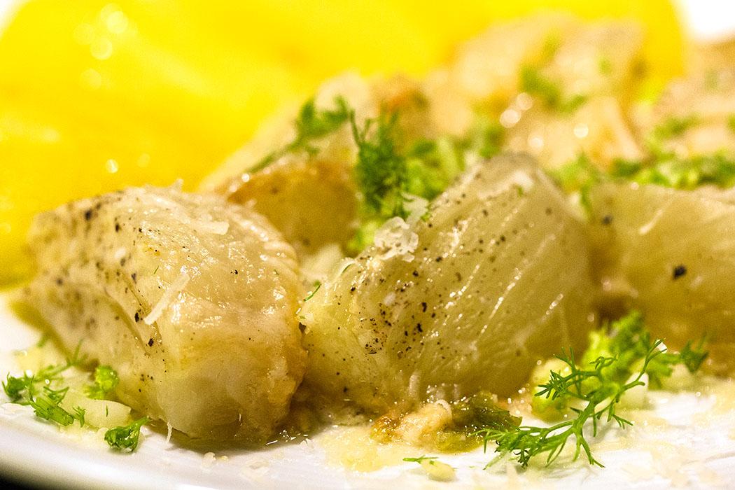 Fenchel in Sahnesauce und Parmesan, Finocchi con panna e parmigiano - Unser Lieblingsgemüse: Fenchel in Sahnesauce und Parmesan – Finocchi con panna e parmigiano braucht Zeit, aber das Ergebnis wird euch frohlocken lassen.