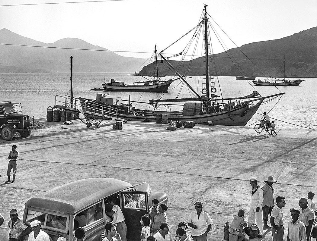 Insel Milos 1961: Im Hafen von Adamas. Foto © Robert McCabe.