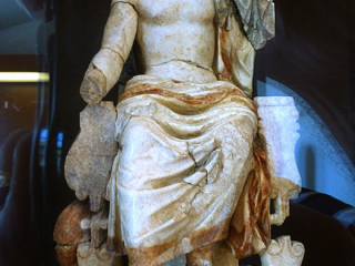Sitzstatue des Asklepios, aus dem Asklepieion im antiken Korinth.