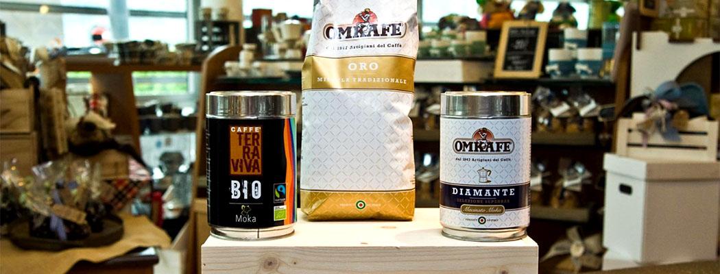 garda trentino omkafe arco gardasee italien ol In der traditionsreichen Kaffeerösterei Omkafè in Arco können die verschiedenen Sorten auch probiert werden.