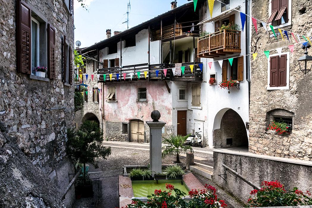 Der mittelalterliche Ortsteil Stranfora, westlich vom Burgfelsen, ist das älteste und schönste Stadtviertel von Arco.