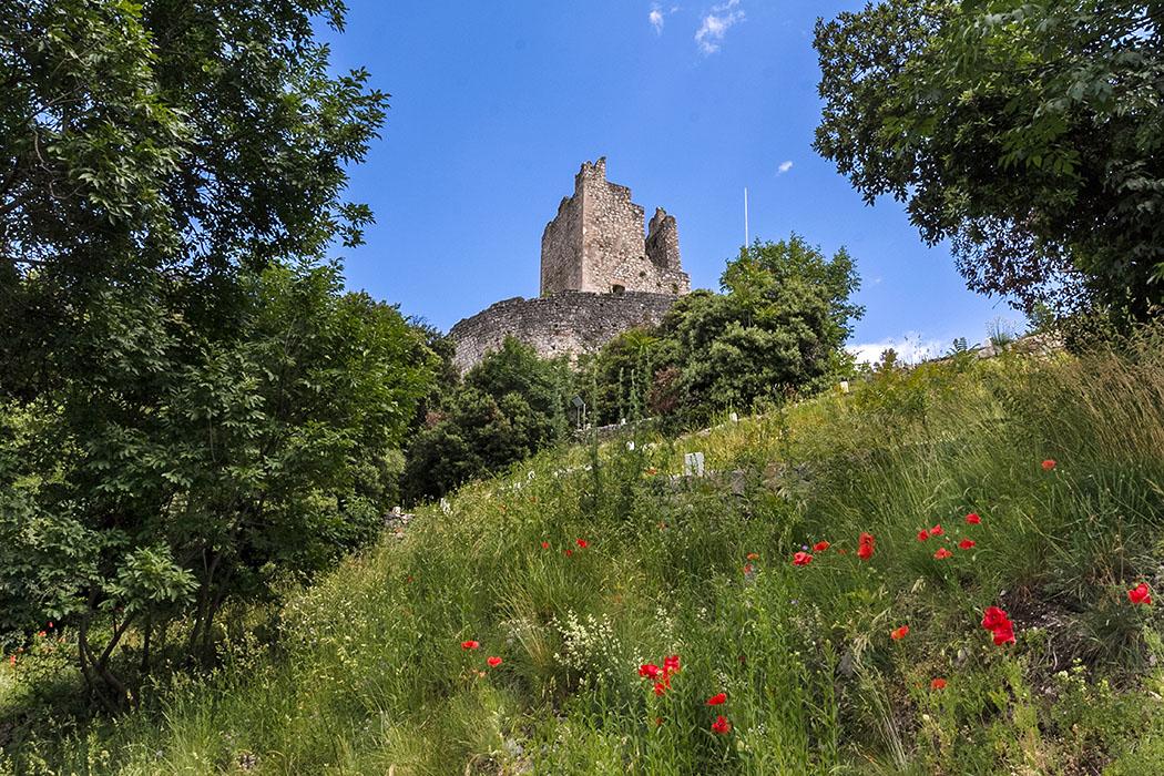 Der Rengheraturm ist der Bergfried auf den höchsten Punkt des Burgfelsens. Er ist der älteste Turm der Burg von Arco und wurde bereits im 4./5. Jahrhundert von den Goten erbaut.