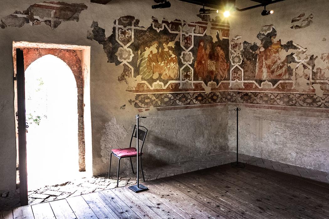 """In der """"Sala dei Giochi"""", dem Saal der Spiele haben sich mittelalterliche Fresken aus dem 14. und 15. Jhd. erhalten."""