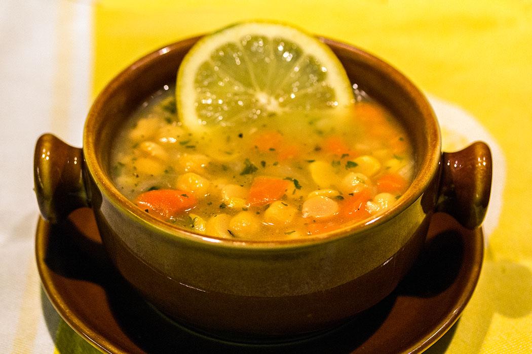 Griechische Fastensuppe: Revithosoupa - Kichererbsensuppe mit Zitrone