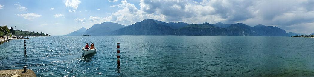 Gardasee: Cassone di Malcesine - Ruhig und ursprünglich cassone di malcesine panorama sueden gardasee lago di garda italien Panorama in Cassone auf den Gardasee: Im Süden ist die Insel Trimelone sichtbar, Richtung Norden die Halbinsel Val di Sogno in Malcesine.