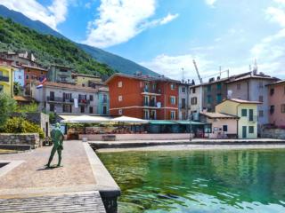 """Vom Badesteg am Gardasee ist es nur ein """"Katzensprung"""" zum Ristorante-Pizzeria """"Al Vogaor"""" (siehe Restaurant-Tipp)."""