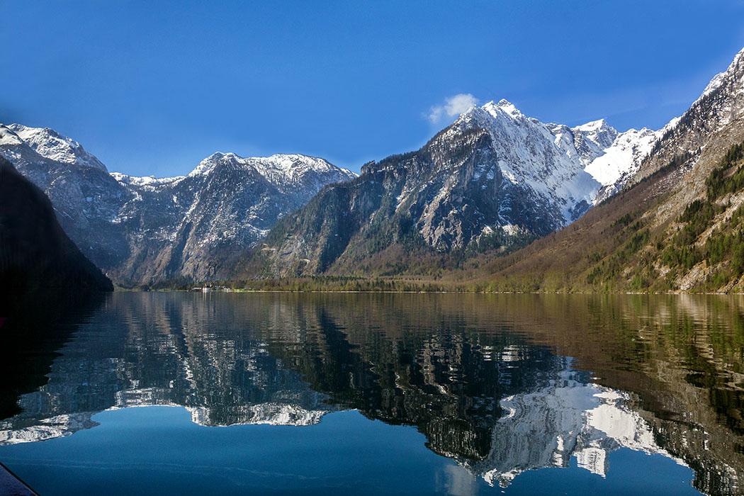 Oberbayern: Königssee - Von Salet zur Fischunkelalm am Obersee - Deutschland, Berchtesgadener Land, Schönau, Koenigssee, St. Bartolomae, Nationalpark Berchtesgaden, April 2017, Bootsfahrt